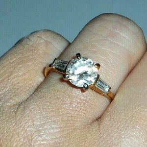 Jewelry - Vintage CZ Solitaire Promise Cocktail Ring